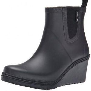 Tretorn Emma Mid Wedge Black Rain Boots
